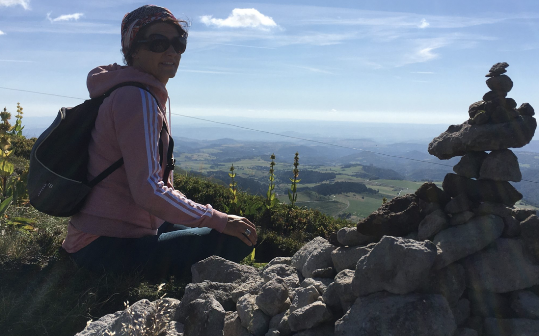 ÉPISODE 12 – Quand Carine transmet le Yoga